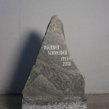 Schlichter Grabstein009
