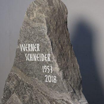 Schlichter Grabstein011